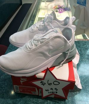 Wmns Nike Air max motion 2 size 9.5 for Sale in Las Vegas, NV