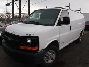 2005 chevy express 2500 for Sale in Roseville, MI