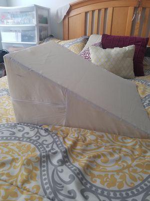 DMI Wedge Pillow for Sale in Miami, FL