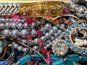 Lot of Vintage Jewelry 4 lbs#98 for Sale in West Chester, PA