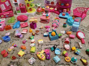 130 Shopkins más 15 accesorios $$$35 for Sale in Garland, TX