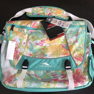 NEW High Sierra Messenger Bag! Retails for $70. for Sale in Mason, OH