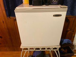 Refrigerator( mini) for Sale in Maple Valley, WA