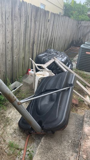 Basketball hoop for Sale in Miami, FL
