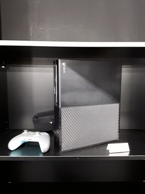 Microsoft Xbox One 500gb Game Console for Sale in Eastlake, OH