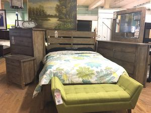 Beautiful bedroom furniture! for Sale in Portland, OR