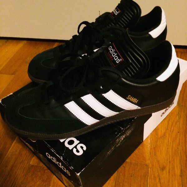 Brand New in box ADIDAS Sambas, size 8 Men's