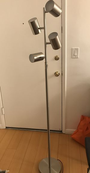 Floor lamp for sale- like new! for Sale in South Pasadena, CA