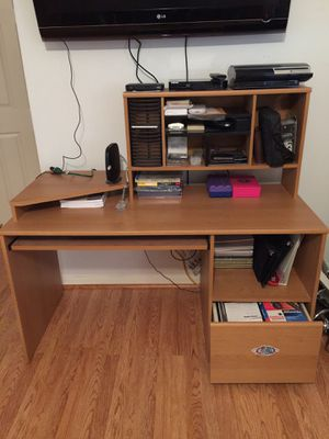 """Computer desk with hutch, like new. 4' long x 2' wide. Hutch is 20 """" H from table. Has 2 lg bottom shelves for Sale in Fort Lauderdale, FL"""