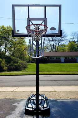 Lifetime Basketball System w/Ball Return for Sale in South Brunswick Township, NJ