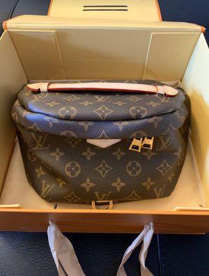 Louis Vuitton sling bag Fanny pack for Sale in Phoenix, AZ