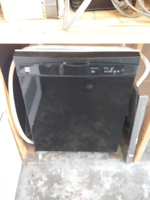 Black Kenmore dishwasher with plastic tub in excellent working condition for Sale in Kissimmee, FL