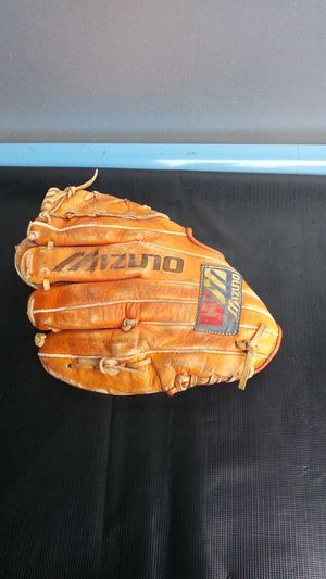 Mizuno baseball glove MT2012FB for Sale in Vancouver, WA