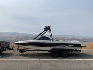 2001 21i Tigé wakeboard boat for Sale in Bellflower, CA