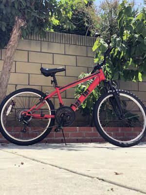 """Youth 24"""" wheel mountain bike with adjustable speed and risistance for Sale in Artesia, CA"""