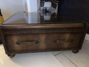 Cabinet chest for Sale in Miami, FL