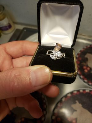 3 ct pink sapphire white topaz set in solid silver. Sz 7 for Sale in Meriden, CT