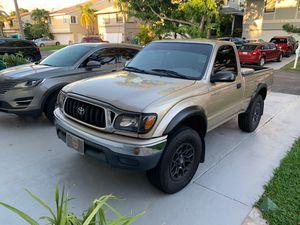 Toyota Tacoma preRunner 2001 for Sale in Miami, FL