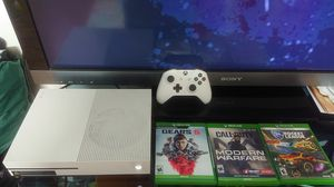 White Xbox one s slim 500gb hd with 5 games for sale for Sale in Los Angeles, CA