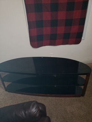 TV stand can fit up to 70 inch for Sale in College Park, GA