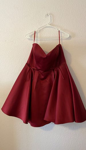Gorgeous Red Satin Semi-Formal Dress (size 14) for Sale in Rancho Cucamonga, CA