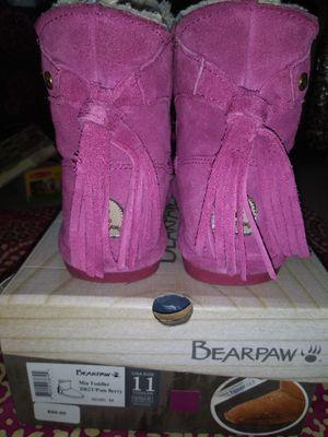 SIZE 11 TODDLER GIRLS BEARPAW WARM FRINGE BOOTS $30 OBO for Sale in Medford, OR