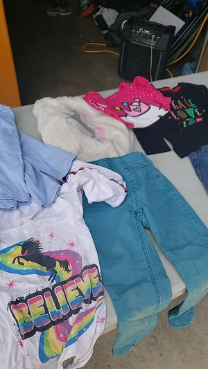 Girls clothes free for Sale in Ceres, CA