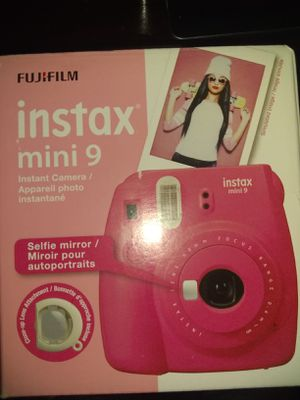 Instax mini 9 instant camera for Sale in Buffalo, NY