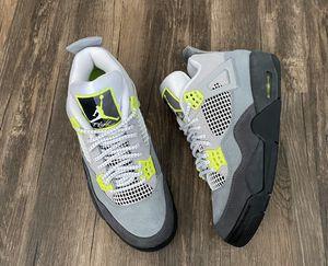 Nike Air Jordan 4 NEON for Sale in Lynnwood, WA