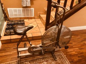 Schwinn Airdyne AD4 Dual Action Exercise Bike Cardio Workout Upright for Sale in Las Vegas, NV