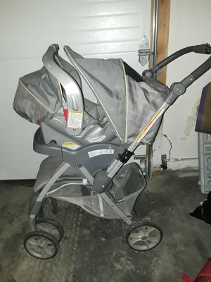 Graco Infant car seat & stroller combo for Sale in Wasilla, AK