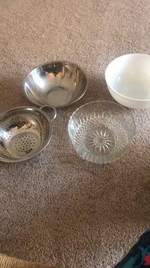 Assorted large bowls for Sale in Concord, NC