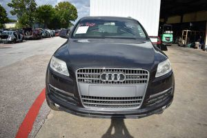 2007-2012 AUDI Q7 FOR PARTS PARTING OUT CARS CAR PARTS for Sale in Houston, TX