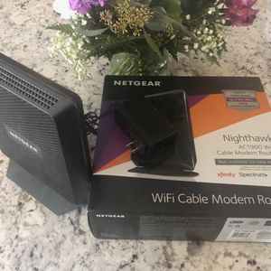 Netgear Nighthawk AC1900 for Sale in Goodyear, AZ