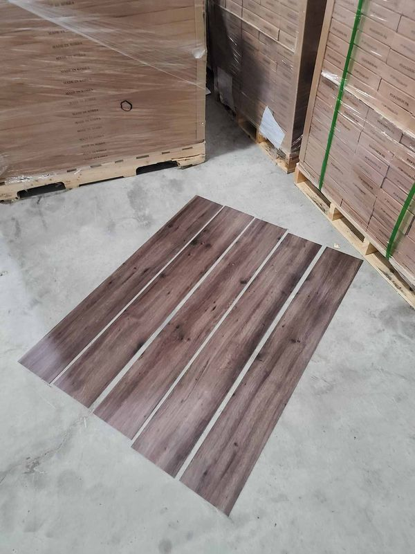 Luxury vinyl flooring!!! Only .65 cents a sq ft!! Liquidation close out! RS