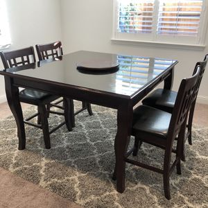 Chestnut Brown Dining Table for Sale in Fresno, CA