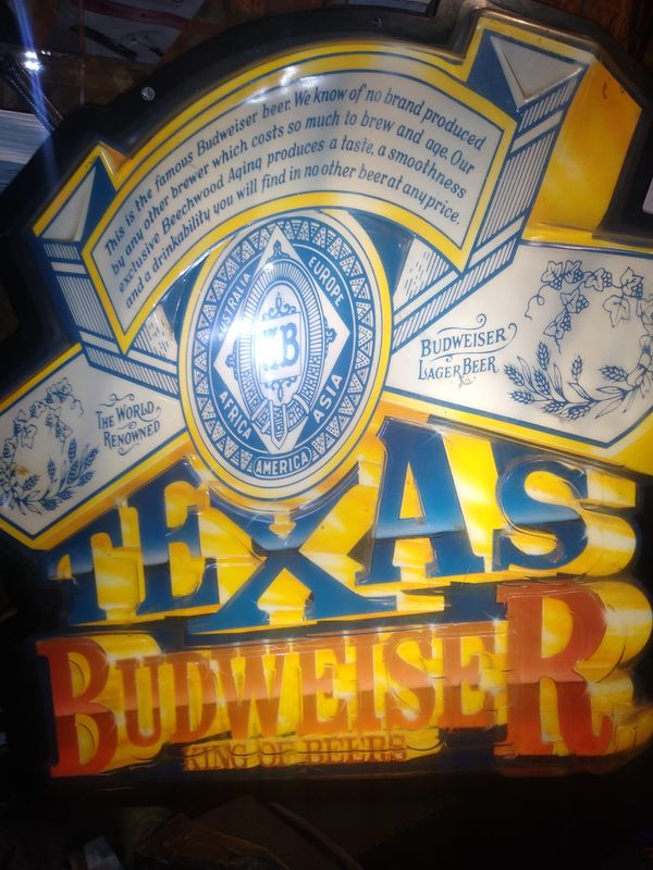 Vintage antique Texas Budweiser sign. Perfect for your bar or man cave . Lights up but is NOT neon light type