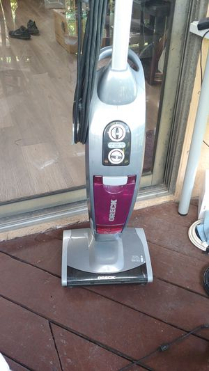 Oreck Vacuum and Steam Great Condition for Sale in Palm Springs, FL