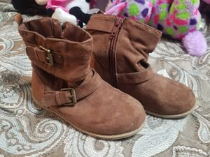 Size 9 Old Navy toddler girl boots for Sale in Clayton, NC