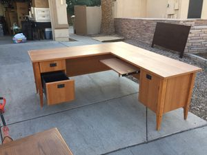 Office desk corner style. Functional and works. for Sale in Glendale, AZ