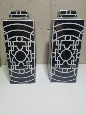Black and white vases with lids for Sale in St. Louis, MO