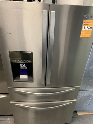 Whirlpool 4 door French door refrigerator for Sale in Victorville, CA
