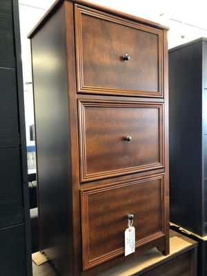 3 drawer file cabinet for Sale in Lawrence, IN