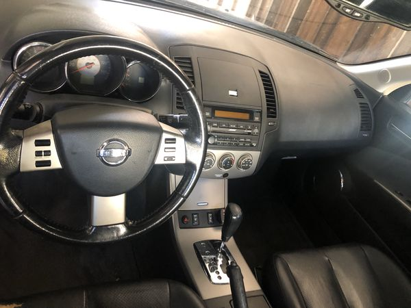 Altima 2005 162k fresh tags March 2021 runs good good AC great starter car point A to B