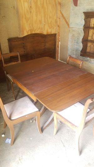 Dinning room table for Sale in Mulvane, KS