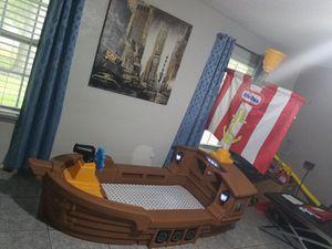 Cama en forma de barco excelentes condiciones for Sale in Houston, TX