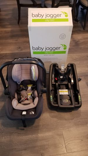 Baby jogger city infant car seat and base for Sale in Charlotte, NC