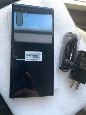 samsung galaxy note 10 plus unlocked,256gb sold with warranty for Sale in Somerville, MA