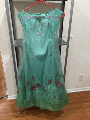 Elsa frozen fever costume with nice crape., wig and hair belt , size 7-8 for Sale in Fort Lauderdale, FL