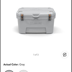 New Ozark 52qt Ice Chest for Sale in Oceano, CA